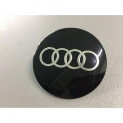 Наклейка Audi D56 мм алюминий (Серебристый логотип на черном фоне)